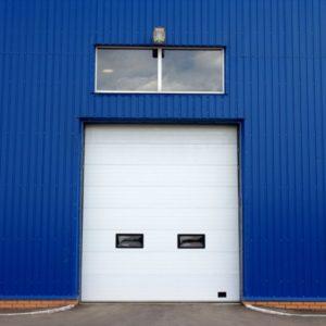 Промышленные секционные ворота DoorHan на проем 4000х4200(h) мм.