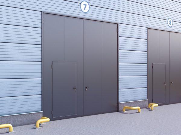 Промышленные распашные гаражные ворота DoorHan в стальной раме СЭП