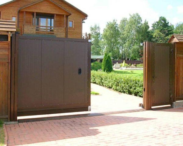 Уличные откатные ворота DoorHan 3500×2100(h)
